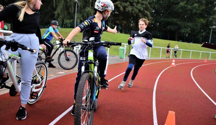 Bild zum Artikel Binzer Schüler rennen und radeln um die Wette