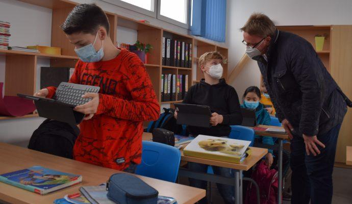 Bild zum Artikel Neue IPads begeistern Regionalen Schule Binz